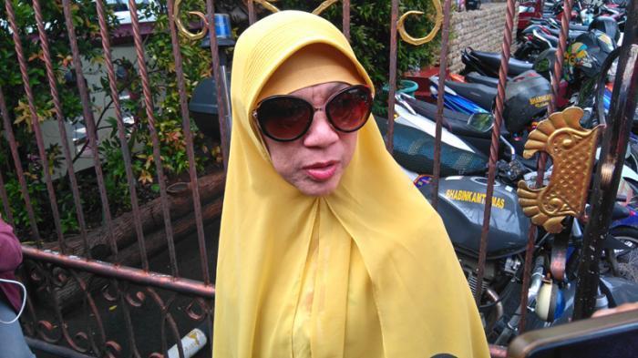 Meronta saat Dibawa ke ICU, Penyakit Dorce Gamalama Akhirnya Diungkap Sang Anak : 20 Tahun Lemas