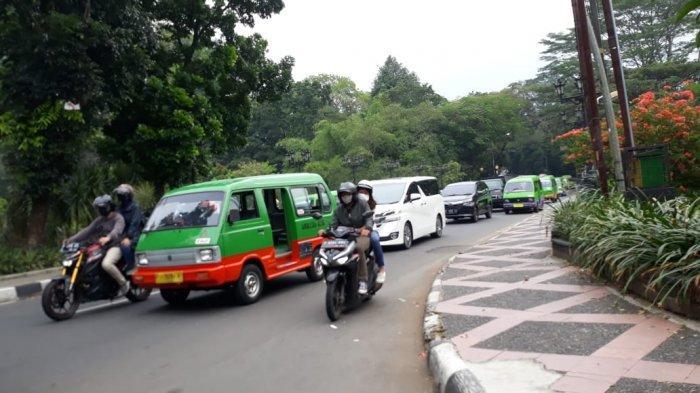 Lalu Lintas Jalan Jalak Harupat Bogor Sore Ini Padat Merayap Hingga Tugu Kujang
