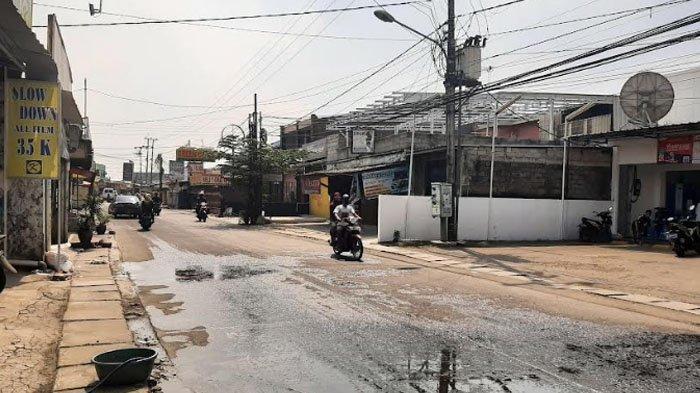 Cuaca Cerah, Arus Lalu Lintas di Jalan Raya Bojonggede Siang Ini Lengang
