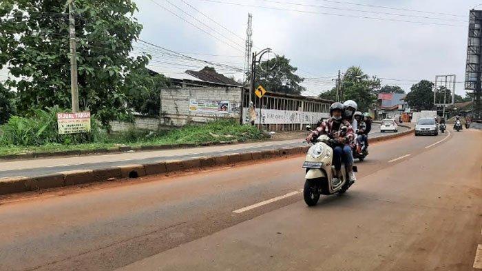 Siang Ini Kondisi Lalu Lintas di Jalan Parung Bogor Ramai Lancar
