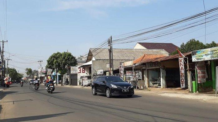 Pagi Ini Arus Lalu Lintas di Jalan Raya Sukahati Kabupaten Bogor Lancar Kedua Arah