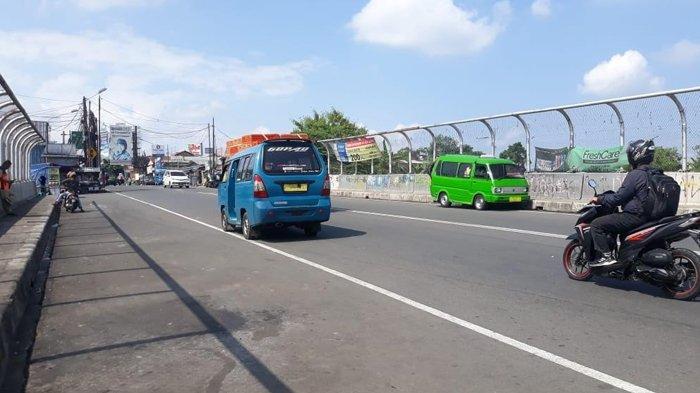 Arus Lalu Lintas di Jalan Raya Wangun Arah Gadog Saat Ini Terpantau Ramai Lancar