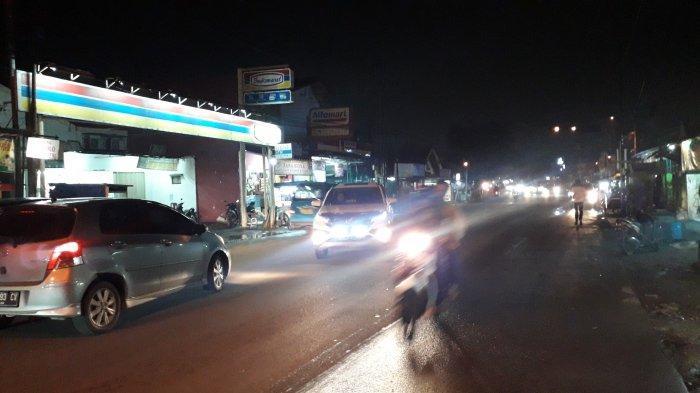 Info Lalu Lintas - Arus Kendaraan di Jalan Karadenan Cibinong Malam Ini Ramai Lancar