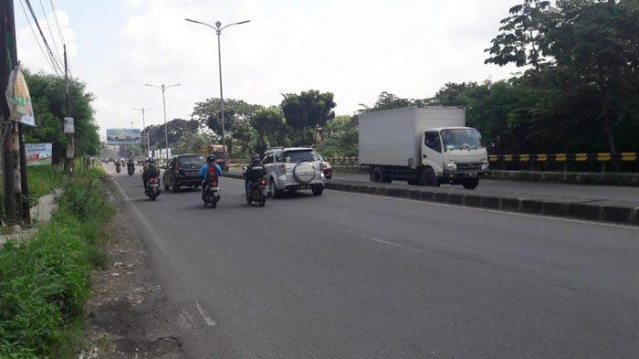 Laju Kendaraan Di Jalan Raya Jakarta-Bogor Saat Ini Ramai Lancar