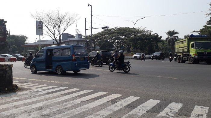 Arus Lalu Lintas Kendaraan di Simpang Sentul Saat Ini Ramai Lancar