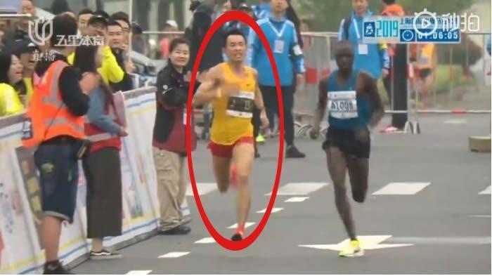 Atlet Ini Mencret Saat Lomba Lari Marathon, Tak Sangka Berhasil Raih Kemenangan