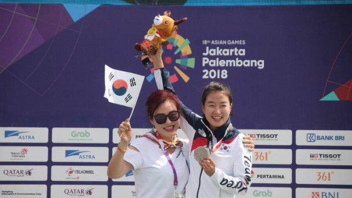 Kisah Atlet Paralayang Asal Korea Selama Di Puncak, Suka Sate Hingga Ajak Ibunya Naik Podium