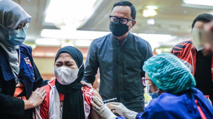 Vaksinasi Lansia akan Dimaksimalkan Lewat Puskesmas hingga Layanan Drive Thru