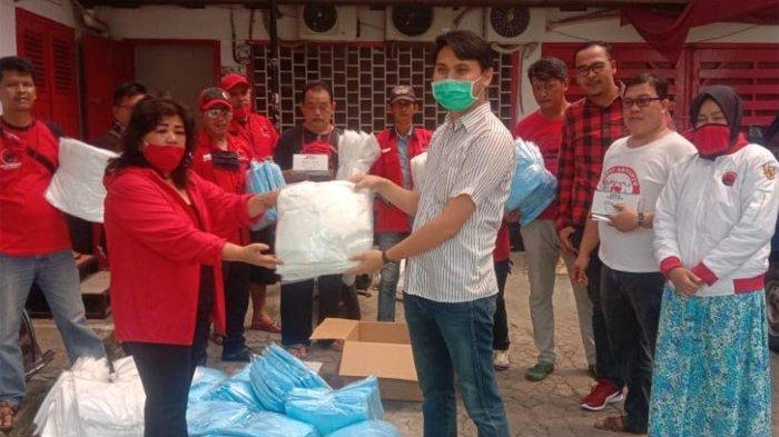 Bantu Warga Bogor yang Terkena Imbas Covid-19, Anggota DPRD Jual Mobil Pribadi untuk  Beli Sembako