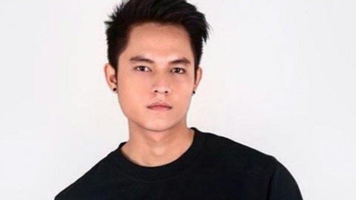 Artis peran Aulia Farhan atau dikenal dengan nama Farhan Petterson ditangkap di salah satu hotel di kawasan Jakarta Selatan.
