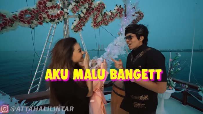 Dikasih Kejutan Mahal oleh Atta Halilintar, Aurel Malah Grogi Didekati Pria Idolanya : Malu Banget