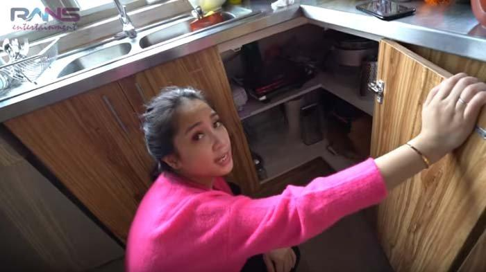 Raffi Ahmad Tempati Villa Rp 50 Juta Per Dua Hari, Nagita Tak Menyangka Temukan Benda Ini di Dapur