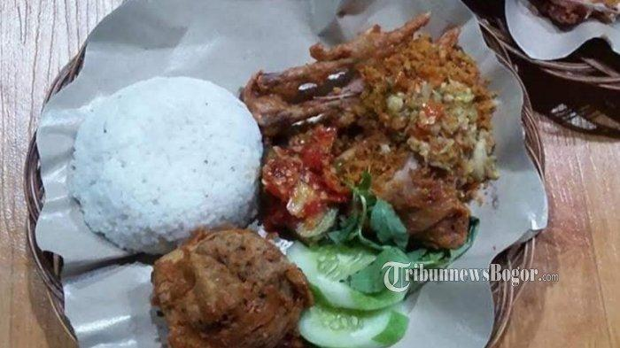 Nikmatnya Ayam Penyet di KQ-5, Pedas Nendang Pakai Cabai Domba