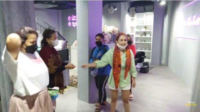 Ayu Ting Ting Ngomel Tolak Bayar Biaya Potong Rambut, Ivan Gunawan : Gimana Gak Jauh Jodoh Lu