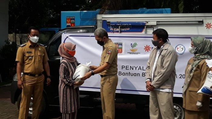 Bulog Kirim Bantuan 115 Ribu Paket Beras untuk Warga Kota Bogor yang Terdampak PPKM Darurat