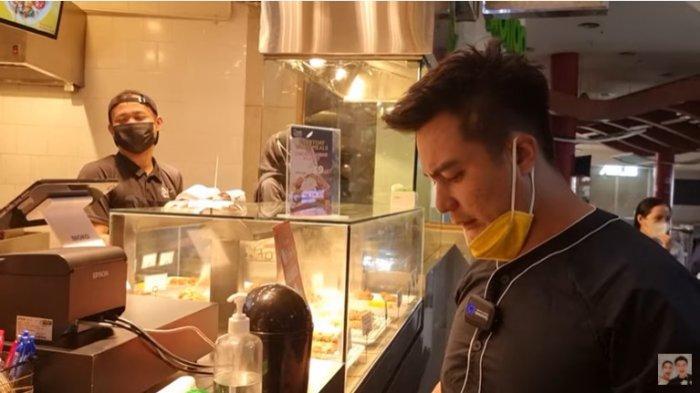 Niat Beri Uang Tip, Baim Wong Heran Disodorkan Tempat Ini Oleh Pegawai Tempat Makan : Masa Beginian