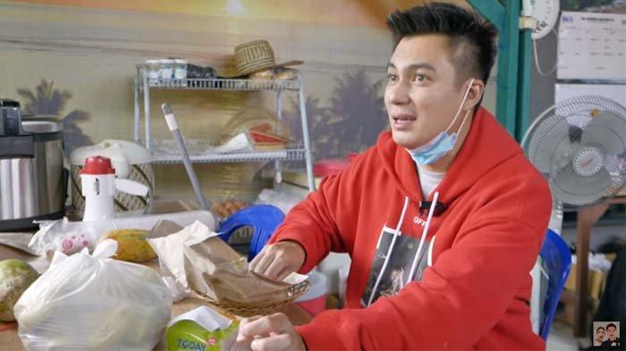 Datangi Lokasi Banjir Kalsel, Baim Wong Kaget Cobain Makanan Buat Pengungsi : Yang Masak Mana ?