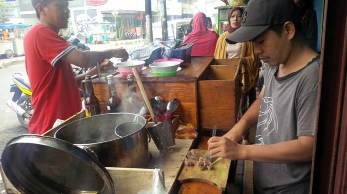 9 Kuliner Lezat di Gang Aut Bogor, Bisa Pilih Banyak Jajanan, Harganya Gak Bikin Kantong Jebol