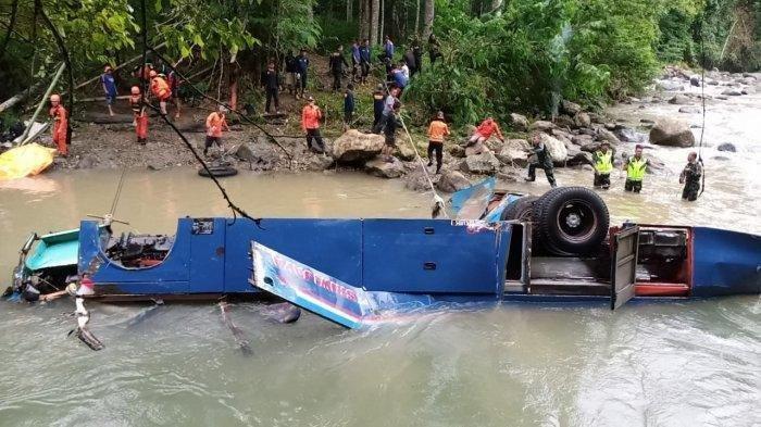 KNKT Sebut Sopir Bus Sriwijaya Tak Mengerem Sebelum Terjun ke Jurang 80 Meter