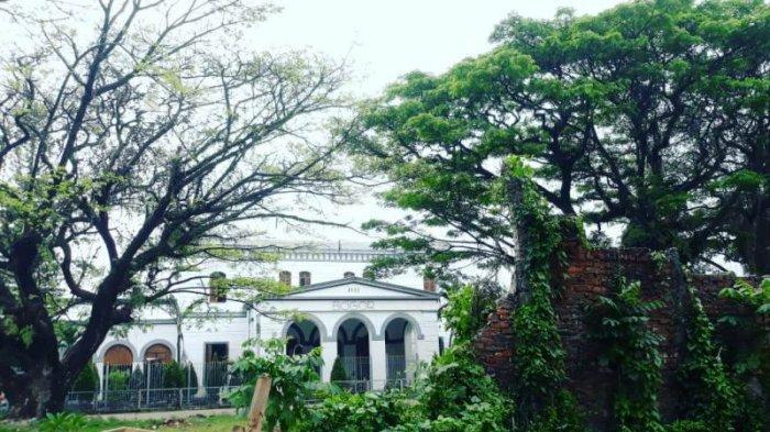 Menengok Tempat Bersejarah di Samping Bagunan Heritage Stasiun Bogor 1881