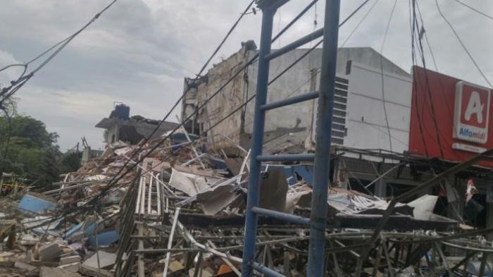 Ledakan Kuat Terjadi di PHD Jatimurni Bekasi, 4 Bangunan Rusak