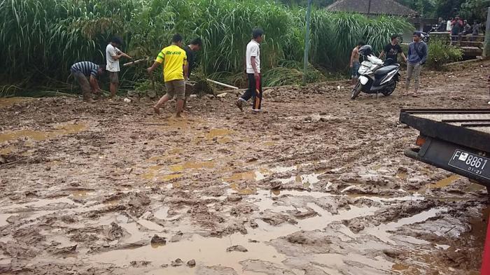 Bocah Dua Tahun Sempat Terseret Banjir di Bogor