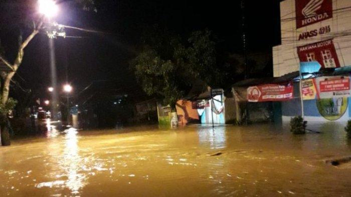 Banjir di Kabupaten Bandung, Ketinggian Air Capai 2 Meter