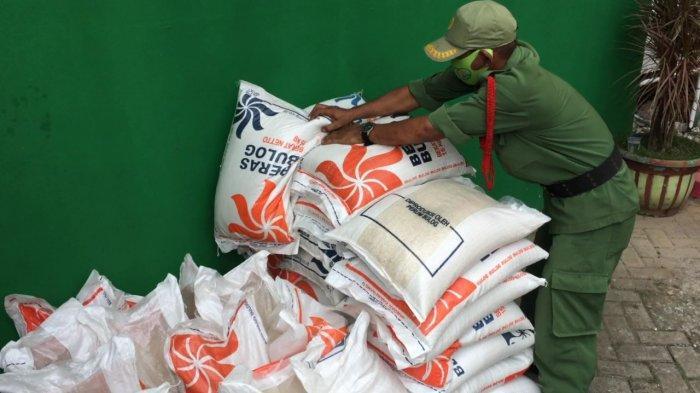 Pemkab Bogor Salurkan 6 Ribu Ton Bantuan Beras, Bupati : Kalau Jelek Kembalikan, Nanti Diganti