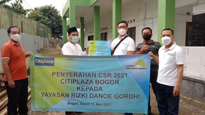 Bantu Renovasi MCK Masjid Jami Nurul Al Ikhlas, Citiplaza Bogor Sumbang Material