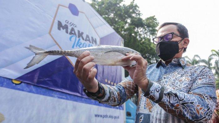KKP Bagikan 1 Ton Ikan Beku dan 4.000 Ikan Olahan untuk Warga Terdampak Covid-19 di Kota Bogor