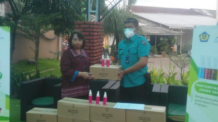 SBRC IPB University dan BPDPKS Salurkan Hand Sanitizer dari Bahan Sawit ke RSUD Kota Bogor
