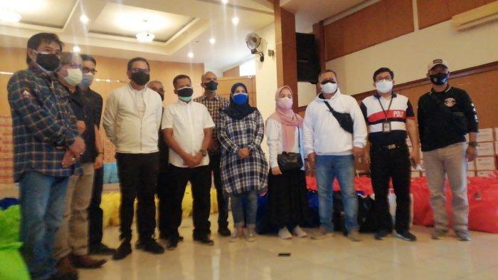 Pemprov Jabar Salurkan 370 Paket Sembako Bagi Warga Terdampak Pandemi di Kota Bogor