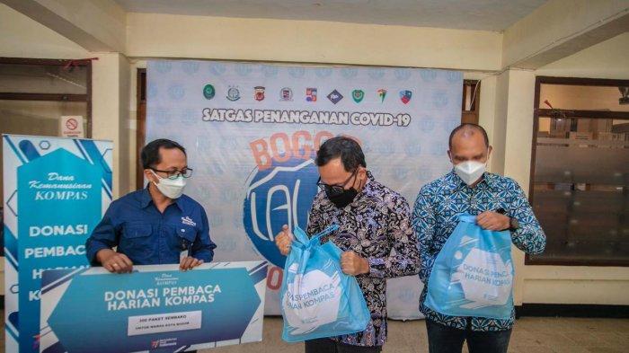 Bantuan terus mengalir ke Kota Bogor, sejak PPKM Darurat diberlakukan sudah 17.200 paket sembako disalurkan yang merupakan bantuan dari berbagai instansi dan masyarakat lainnya.
