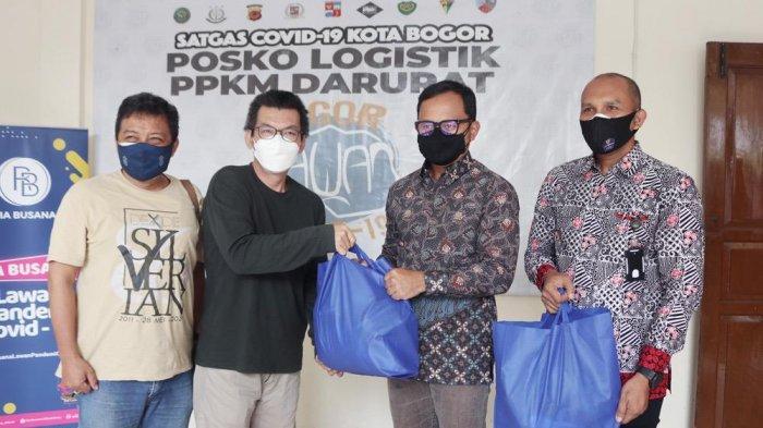 Kota Bogor melalui Ketua Satgas Covid-19 Kota Bogor yang juga Wali Kota Bogor, Bima Arya terus menerima bantuan di Posko Logistik PPKM Kota Bogor, Jumat (13/8/2021).