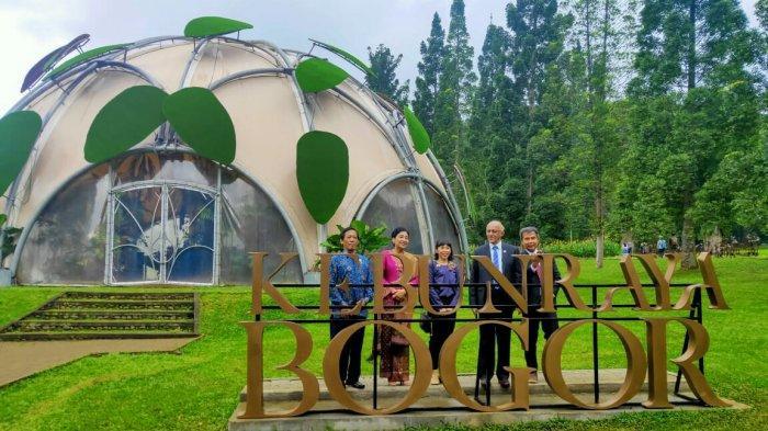 Bapak Negara Republik Singapura Mohamed Abdullah Alhabshee Kunjungi Kebun Raya Bogor