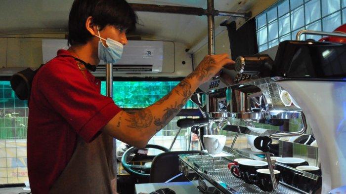 Shaf Coffee Bogor, Tawarkan Sensasi Ngopi Santai di Dalam Bus, Ada Spot Barista