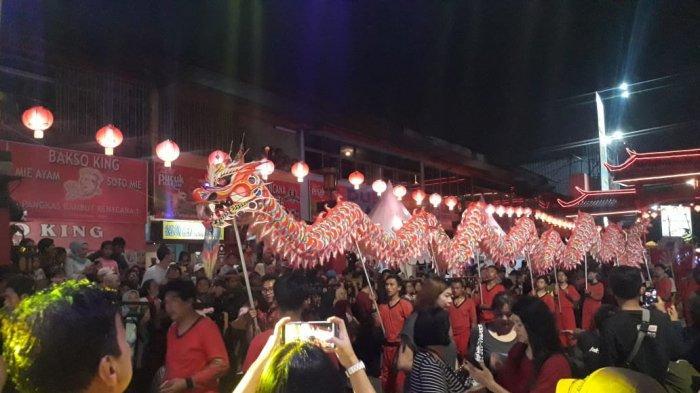 Aksi Liong Panjang Empat Meter Jadi Perhatian Pengunjung Bogor Street Festival CGM 2020