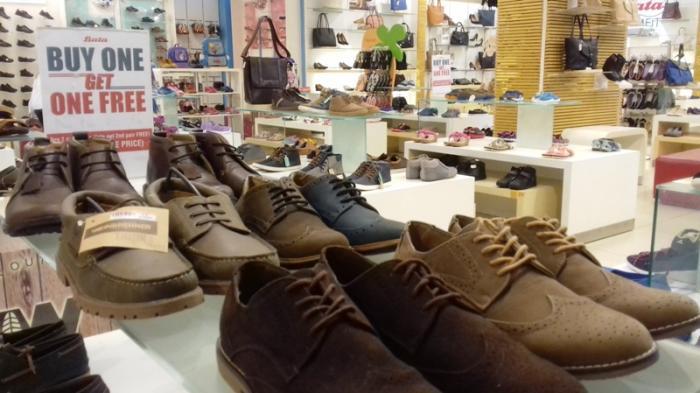 Sepatu Sudah Sempit ? Jangan Dibuang Dulu, Ini 5 Cara Mudah Agar Muat Kembali