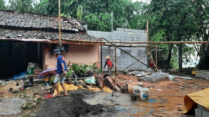 Tiba-tiba Didatangi Polisi, Mulyani Tak Menyangka Rumahnya Bakal Dibongkar Total Polres Bogor