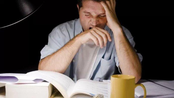 Waspada ! Kurang Tidur Malam Hari pada Pria Bisa Picu Risiko Alzheimer