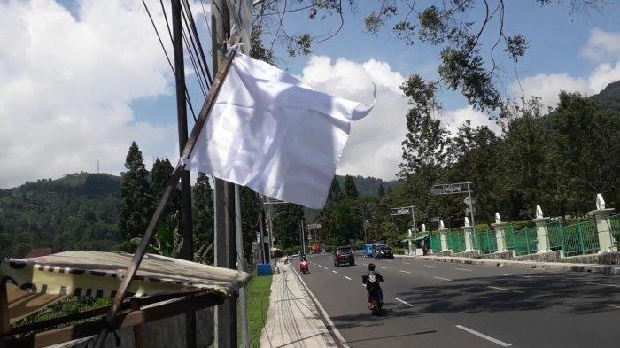 Bendera Putih Dikibarkan di Puncak Bogor, Pokdarwis : Wisatawan Sudah 2 Tahun Jeblok