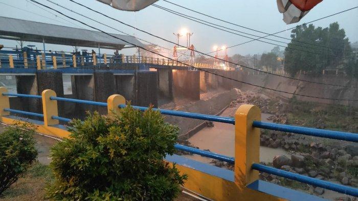 Bogor Diguyur Hujan Deras, Tinggi Muka Air Katulampa Sempat Mencapai Siaga 3