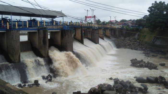 Hati-Hati ! Video Hoaks Soal Kondisi Aliran Sungai Ciliwung Meluap Beredar, Ini Faktanya