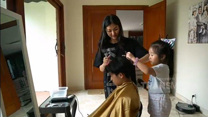 Dipotong Rambutnya oleh Sarwendah, Penampilan Baru Betrand Peto Bikin Pangling Thalia: Korean Style!