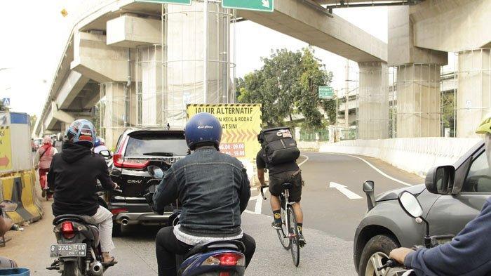 Bike Messenger, ekspedisi pengantar paket yang hingga kini tetap eksis.