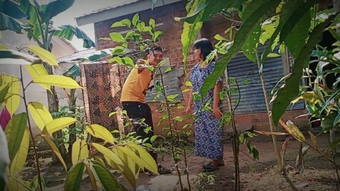 Youtuber Edo Putra Ditangkap Setelah Prank Daging Isi Sampah, Paman Ungkap Fakta: Itu Orang Tuanya