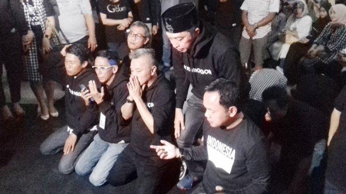 Unggul Sementara Pada Hasil Hitung Cepat Pilkada Kota Bogor, Bima Arya Sujud Syukur