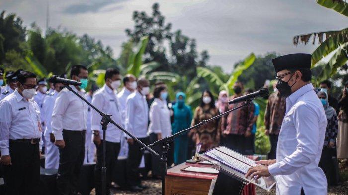 Wali Kota Bogor Bima Arya melantik 338 pejabat di Lingkungan Pemkot Bogor secara daring dan luring, Kamis (26/2/2021).