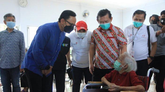 Vaksinasi Jemput Bola, Lansia di Panti Wreda Kota Bogor Mulai Divaksin