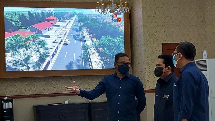 Bima Arya Pamerkan Hasil Studi Kelayakan Rencana Transportasi Massal Trem ke Erick Thohir